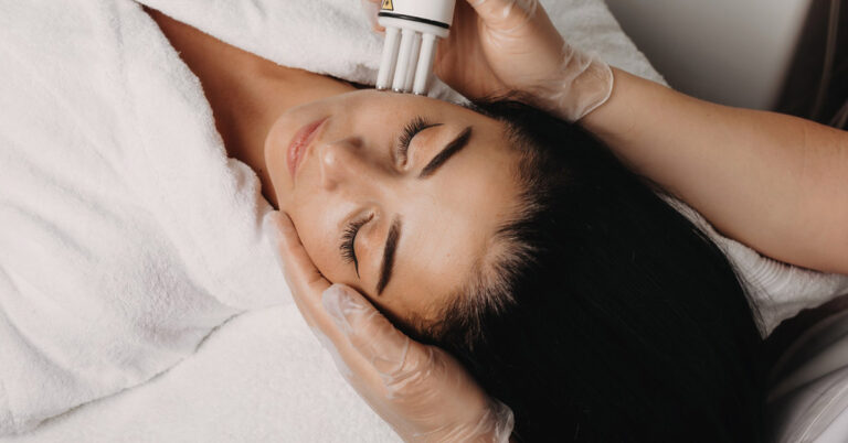 Wyszczuplenie twarzy i szyi przy pomocy zabiegu Endermologii